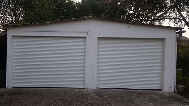 Portes de garage blanches