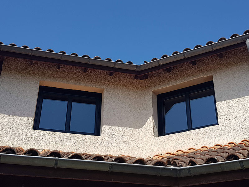 Fenêtres en Alu noir pose en rénovation