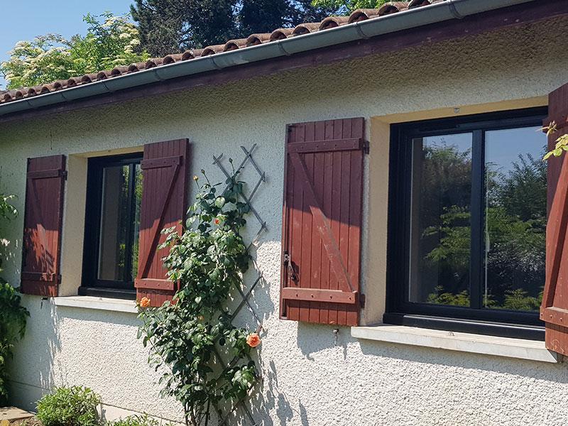 Fenêtres Aluminium en bi-coloration posée en rénovation