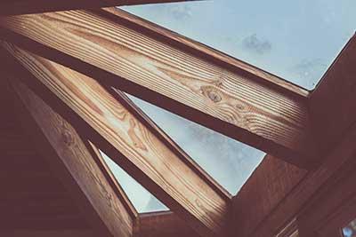 Artisan fenêtre bois Bordeaux