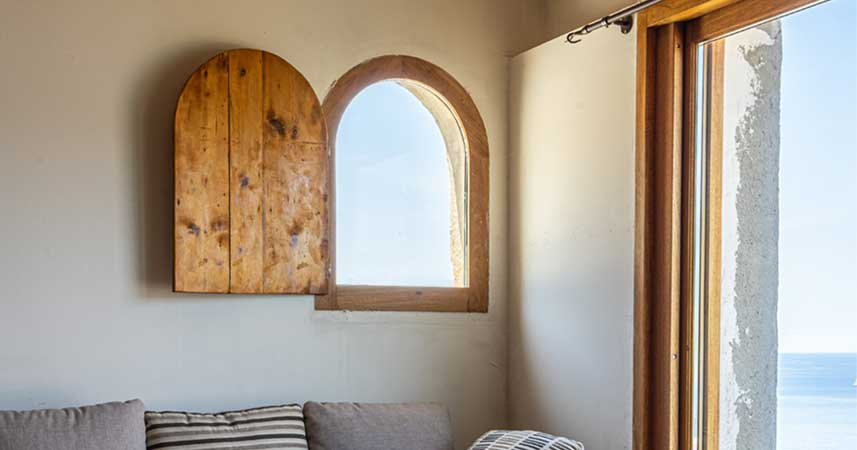 Pose de fenêtre en bois sur mesure