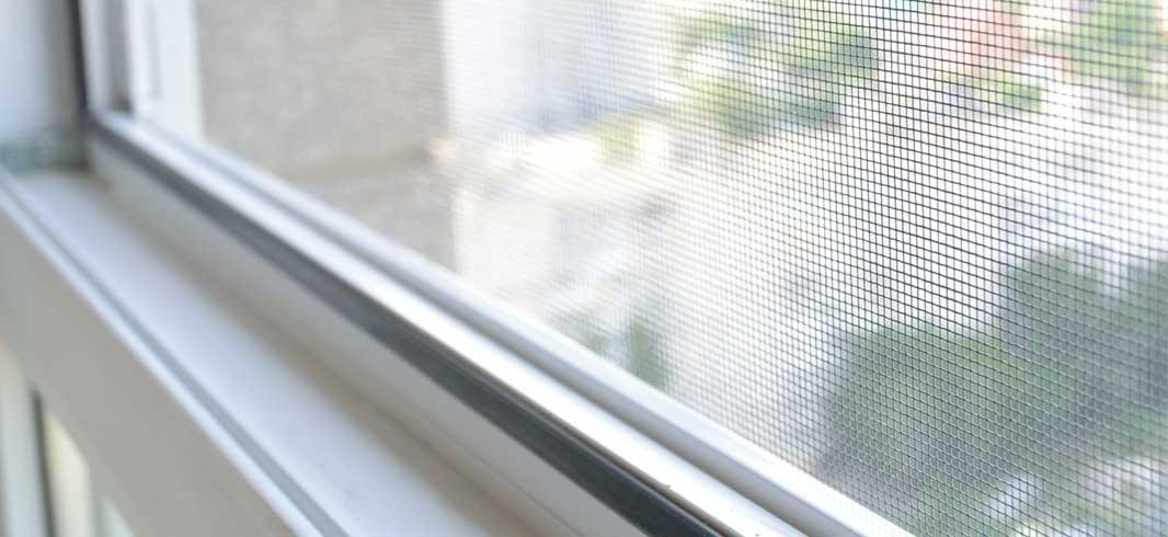 Pose de moustiquaire sur mesure Bordeaux