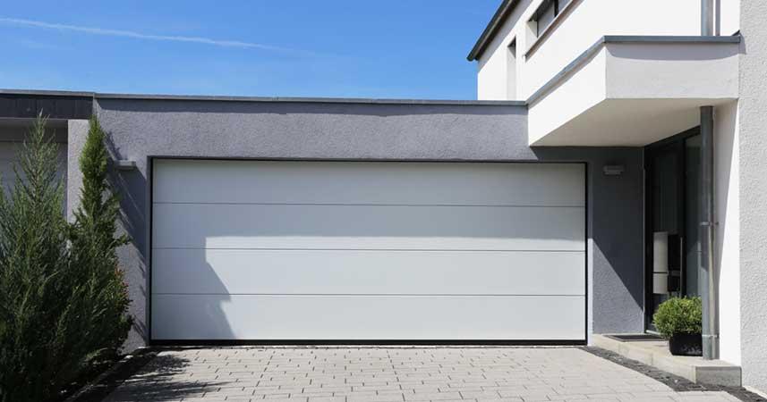 Porte de garage sur mesure Bordeaux