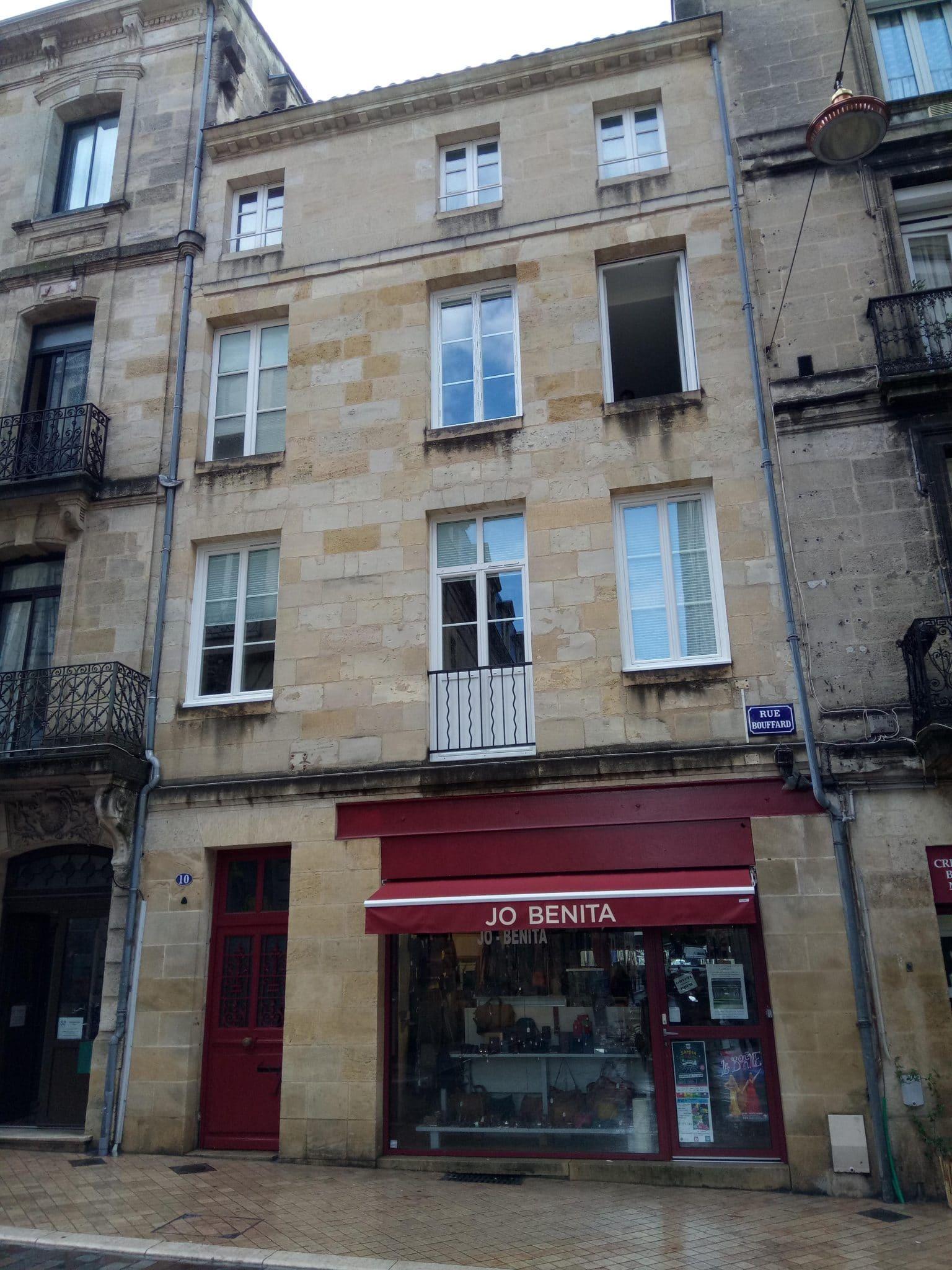 Réhabilitation d'un immeuble sur Bordeaux changement des fenêtres existantes