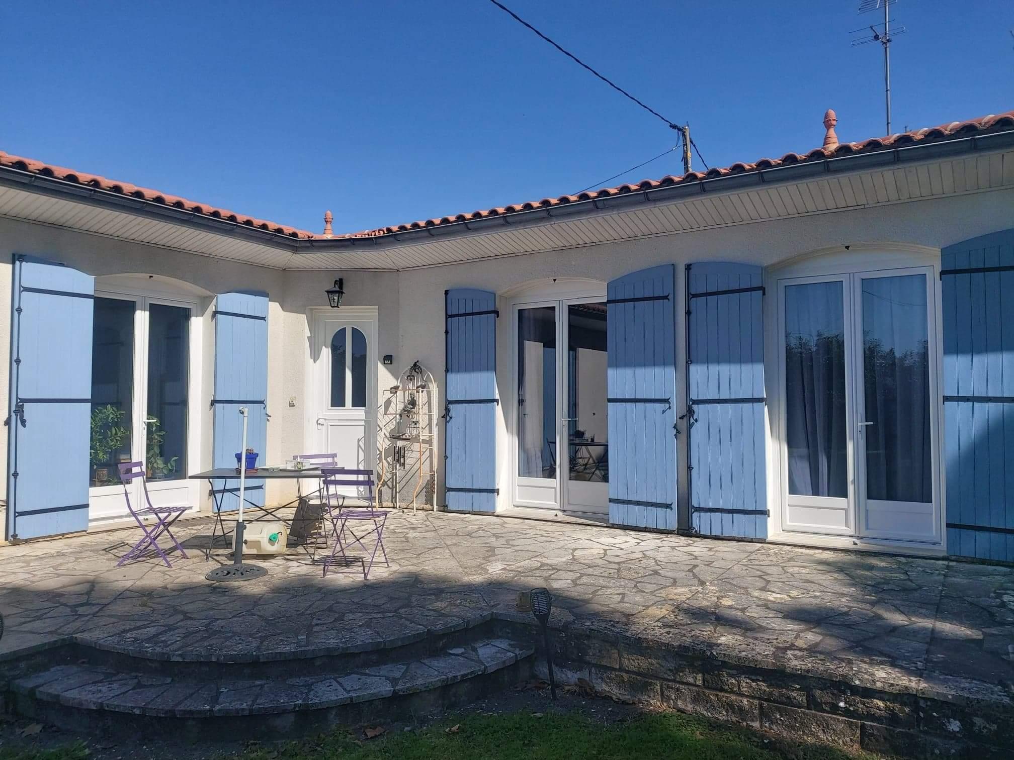 fabrication et pose Porte et porte fenêtre en PVC rénovation sur mesure